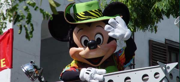 website has schedules of disney park hours, parades, and fireworks
