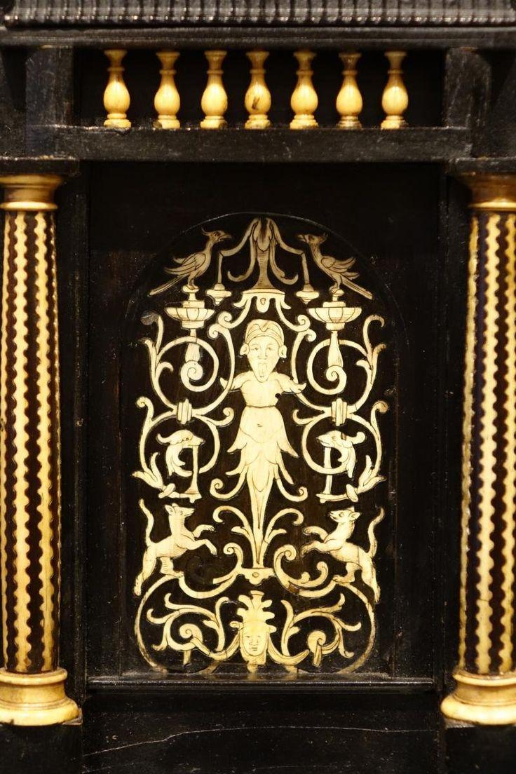 17 веке отделкой под черные дерево деревянный шкаф с инкрустацией, Северная Италия - реф.61735