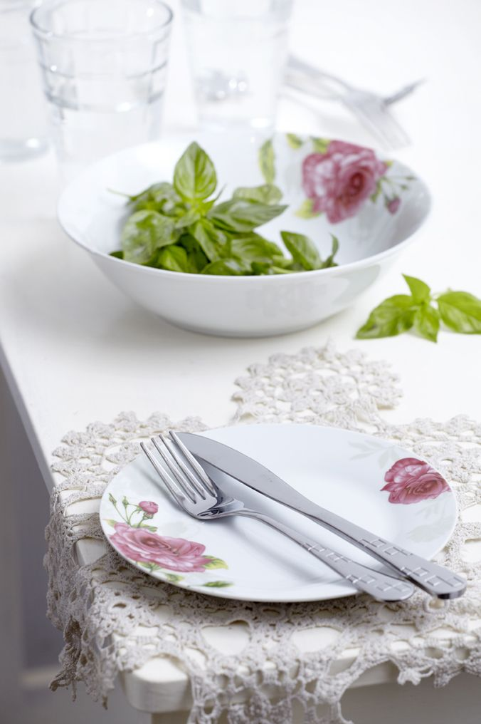 Flowered porcelain dishware!
