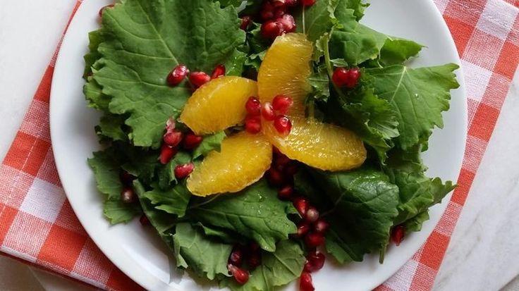 Ensalada de naranja, lechuga verde y granada