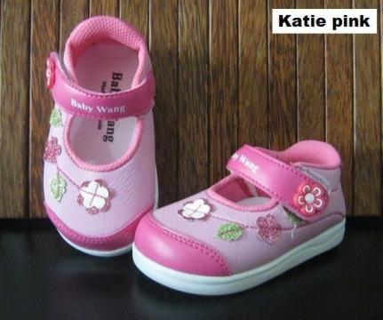 #Sepatu Anak Baby Wang (Katie pink) ~ 105ribu ~ Size : Ukuran Sol dalam (panjang kaki anak) : No. 3 : Sol 13cm (Umur 1 - 1,5 thn) No. 4 : Sol 13,5cm (Umur 1,5 - 2thn) No. 5 : Sol 14cm (Umur 2 - 2,5 thn) No. 6 : Sol 14,5cm (Umur 2,5 - 3thn)