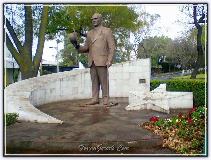 Dünya Ülkelerinde Atatürk | Atatürk Heykelleri - Forum Gerçek