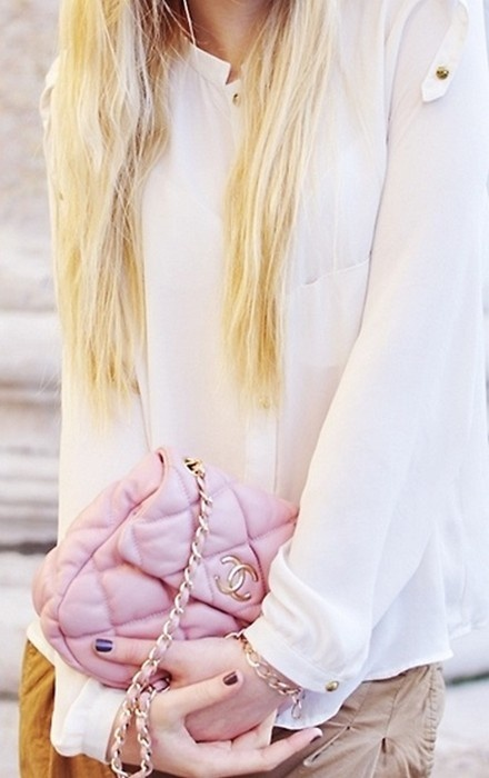 chanel bag with chain.