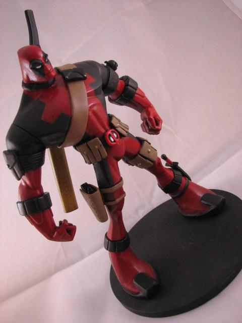 Neat-o animated Deadpool statue