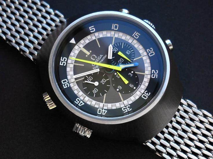 Flightmaster avec belle identification de la fonction chronographe, mais montée sur un bracelet de plongeuse...