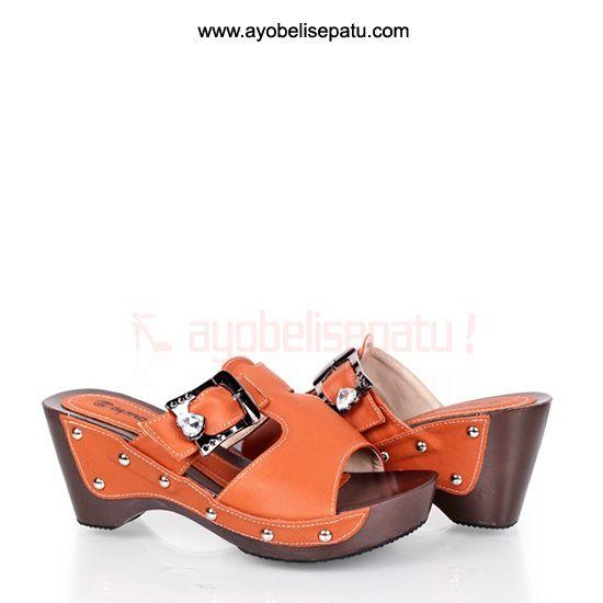 Brucette Wedges Sandal - IDR 169.000 sandal wedges material syntetic leather dengan model elegant. #wedges #sandalwedges