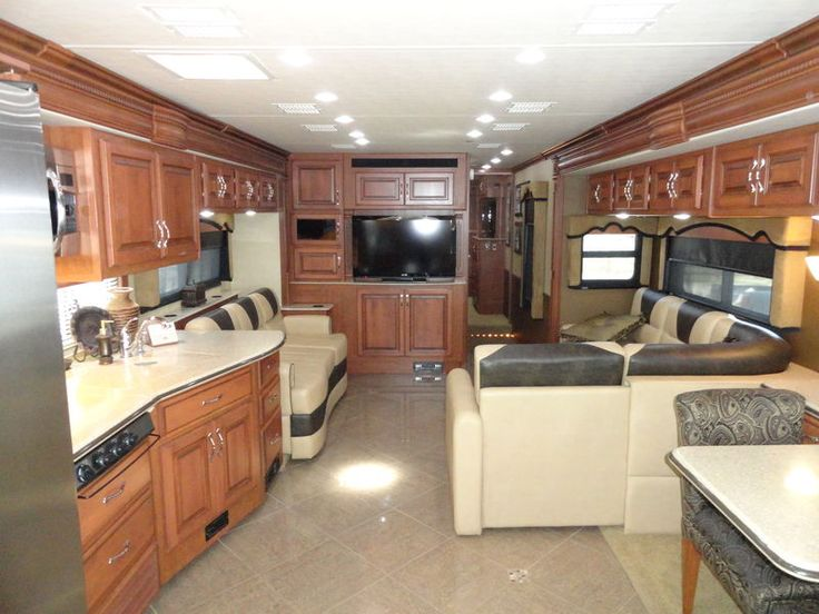 2012 Fleetwood Discovery 40X, Class A - Diesel RV For Sale in Denton, Texas | Crandell Motor Sports AD126 | RVT.com - 100046