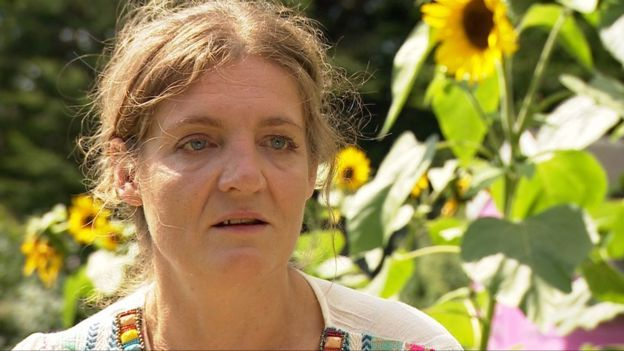 """A number of women are having to undergo hysterectomies to remove a sterilisation device used on the NHS, the Victoria Derbyshire show has found. The Essure implant is used to permanently sterilise women, but can cause side effects and complications. One woman - who later had her uterus removed - said she was left suicidal due to the """"unbearable"""" pain, and felt she was a burden to her family."""