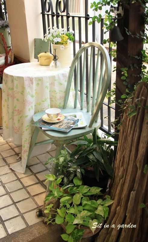 Farm house style chair, I painted it in a very sweet green color.