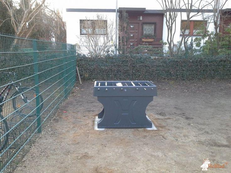 Tafelvoetbaltafel van beton Antraciet bij Katholische Schule Salvator in Berlin