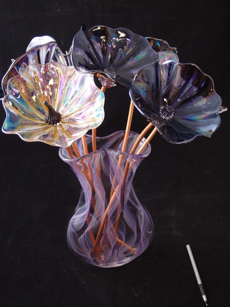Hand blown glass bouquet artist paul lockwood featured at Silkwood glass
