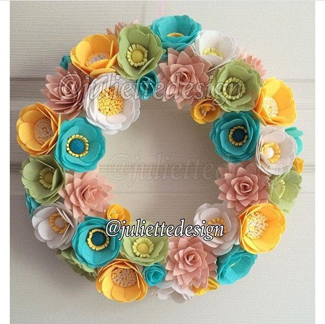 This beautiful wreath is perfect for all season as a gift or home decor. Each felt flower is hand cut and made with great care and love. It measure approximately 32 cm and if requested I can make it bigger or smaller. Unless I mention, All products are made to order, so there would be slight differencies with your purchase.