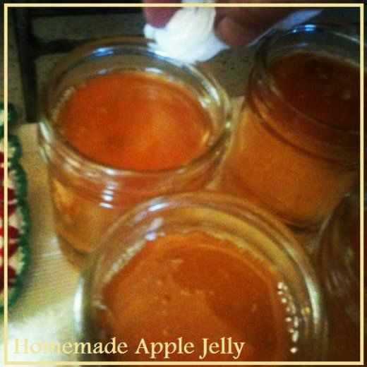 Homemade apple jelly is easy to make out of simple apple juice, pectin and sugar.  By following this easy recipe, you can have a great apple jelly to enjoy in less than an hour's time.