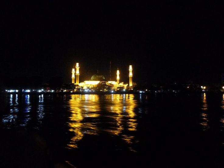Mosque in Samarinda by night.