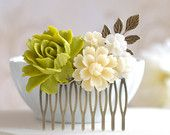 Green Rose ivory Flower Collage Hair Comb, Green and Ivory Wedding Bridal Hair Comb, Antique Brass Leaf Comb, Bridesmaids Gift
