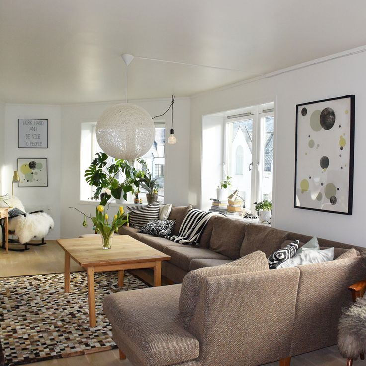 STINE TYNES Livingroom