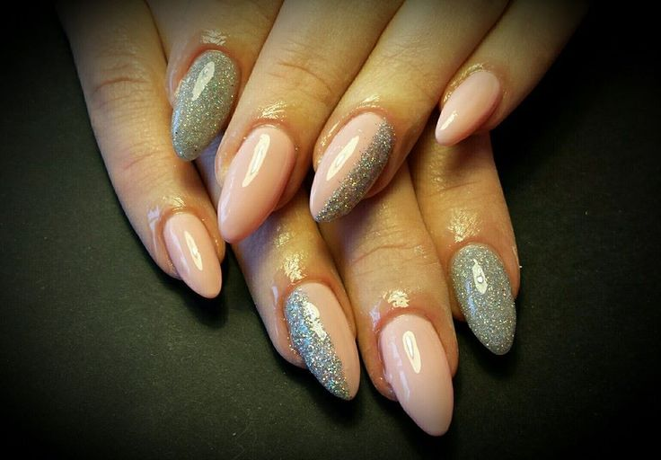 #Nails #Glitter #Nude
