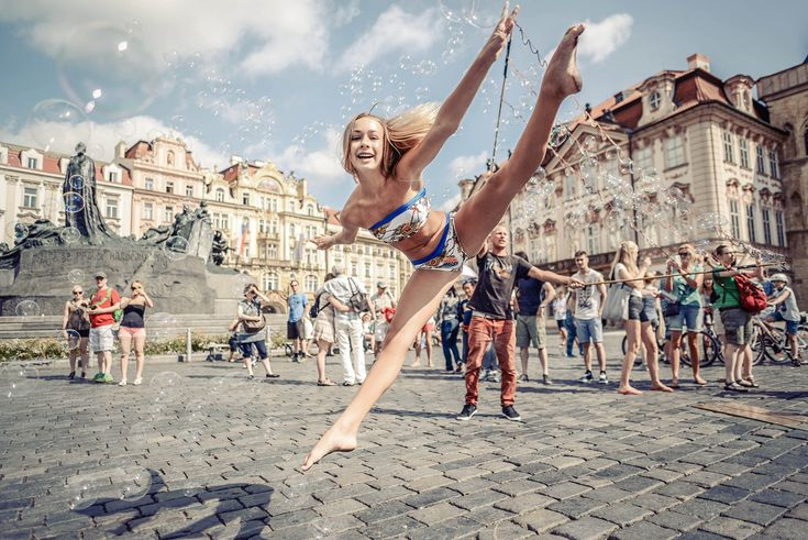 Prague Old Town... Amazing Isabelle... Ballet and gymnastics addict... Teenage diva... #siluetyogawear #madewithloveforyou #yoga