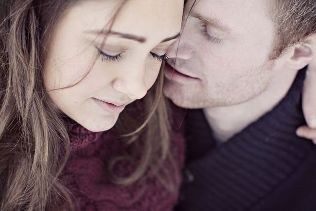 THE NORWEGIAN WEDDING BLOG : Winter Engagement shoot from Risør by Karina Jensen Photography.