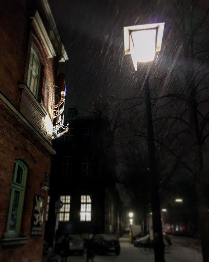 kalt  . . . #photography #mpfund #january #munich #münchen #snow #staywarm