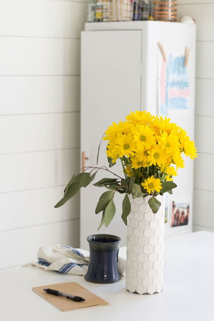 Make It: Do It Yourself Honeycomb Vase with Leftover Tile