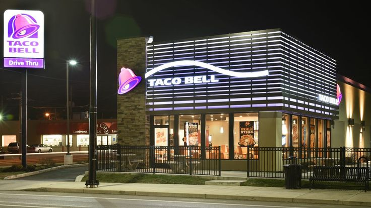 FOX NEWS: PETA's 'sexy chicks' hand out free Taco Bell burritos