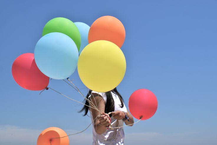 Sesión de fotos con globos. Fotografía. Creatividad.