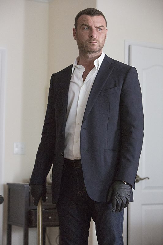 Liev Schreiber Birthday, Real Name, Family, Age, Weight ...