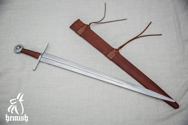 14.századi egykezes kard.Penge Oakeshott XVI,markolatgomb J típus alapján. / 14th One-handed sword.Based on blade Oakeshott XVI,pommel J type.