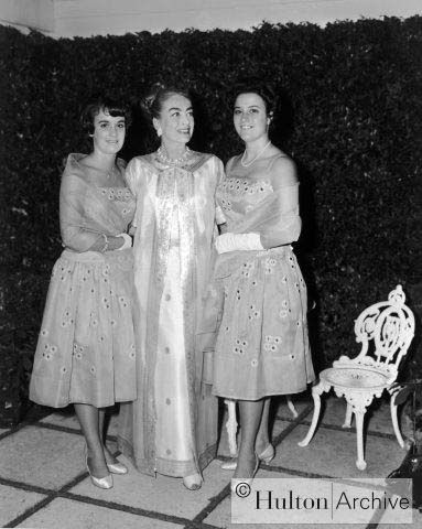 1963 in Palm Beach, with daughters Cathy and Cindy.