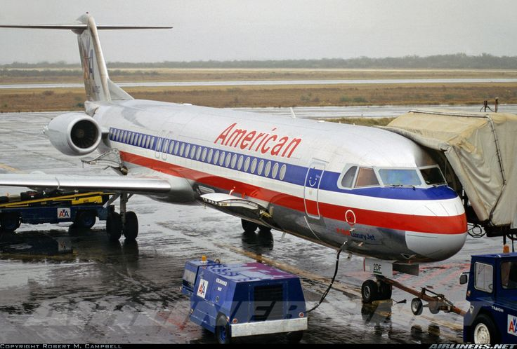 Fokker 100 (F-28-0100) - American Airlines