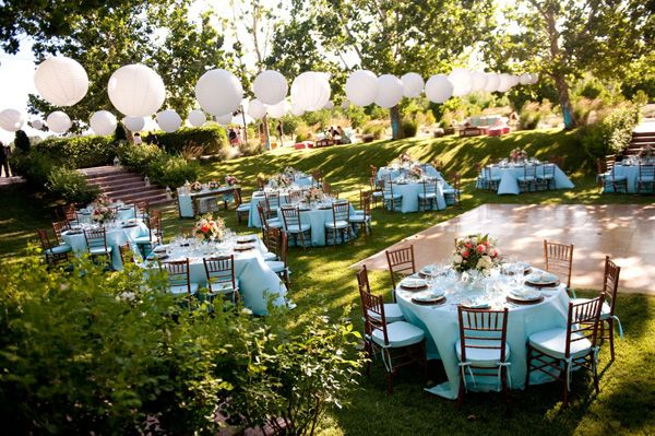 outdoor reception ideas :: Lc- beautiful outdoor light, shade and color.  Best weather on the planet!