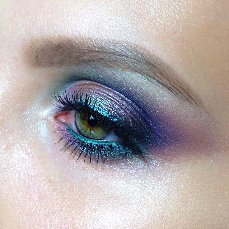 "104 Likes, 6 Comments - Школа макияжа FaceTime СПб (@sofia_baburina) on Instagram: ""Миллион цветов, но зато такая красота #tominamakeup  #mac #mua #makeupartist #sofia_baburina…"""