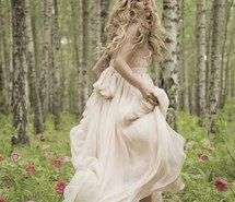 Inspiring image blonde, boho, curls, curly hair, dress, fairy, fashion, flowers, forest, girl, hair, hairstyles, hippies, hippy, hipster, long hair, outdoors, photography, pretty, prom, style, trees, wedding, white dress, ♥ #3293377 by loren@ - Resolution 500x750px - Find the image to your taste