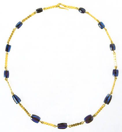 http://www.utexas.edu/courses/romanciv/newhouseimages/necklace.jpg   Gold necklace with sapphire beads.Imperial Roman jewelry, second half of the 2nd c. AD, from the Grottarosa tomb, Rome.