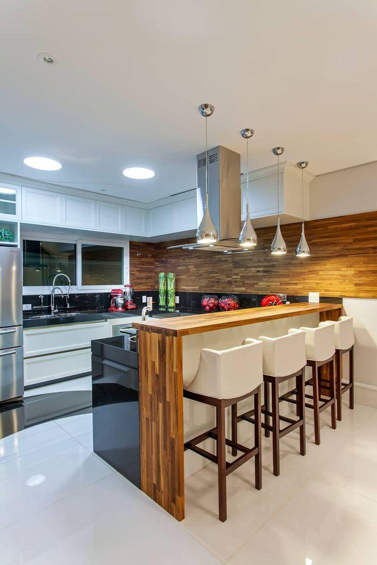 Casa Orquídea: Cozinhas modernas por Arquiteto Aquiles Nícolas Kílaris