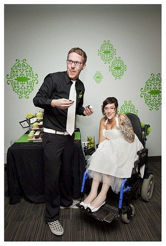 Andy & Jeff's bright green, design-detailed weddings | Offbeat Bride