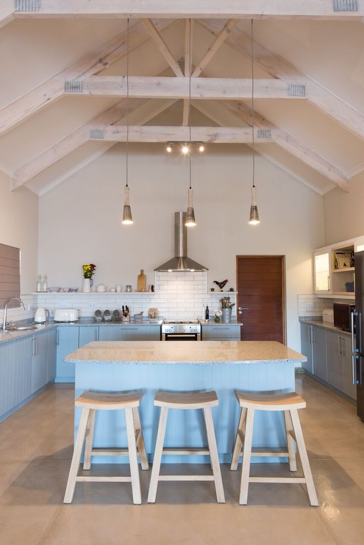 Another look at this gorgeous kitchen - cupboards were painted in BRENTON BLUE (HERITAGE COLOURS).