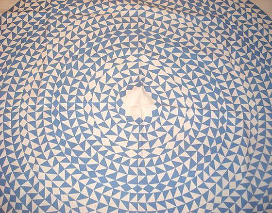 CIRCLE INWARDS: Patterns Geometric, Circular Rugs, Triangles, False Arm, Ss14 Inspiration, Textiles, Patterns Circles, Prints, Arm Fauss