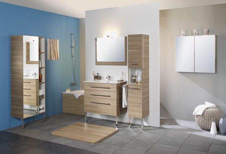 Tendance zen avec la salle de bains NATURAL en couleur Robinier, avec poignées en métal finition brossée et vasque céramique. Le petit plus : une colonne de rangement en deux largeurs (30 et 60 cm) qui s'adapte facilement aux plus petits espaces.