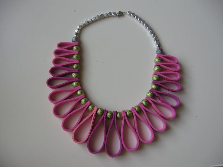 necklace with neoprene and glass beads