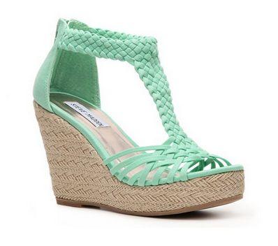 steve madden rise wedge sandal in mint green (@ DSW)