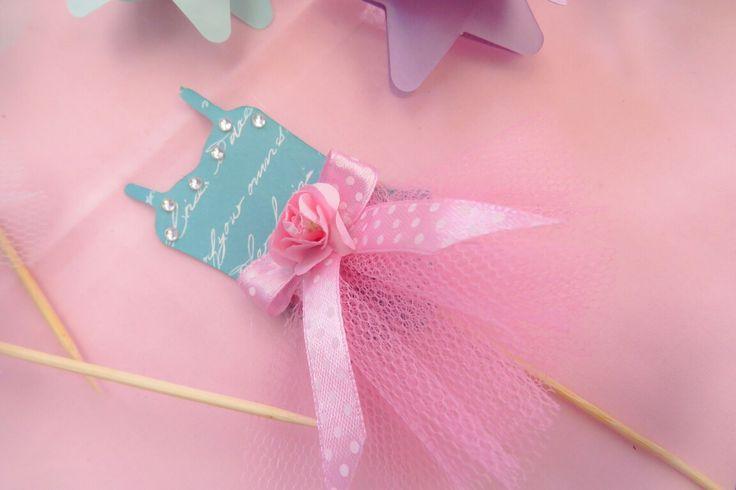 Mianey 1st Birthday #diyparty #tutu #vinyl #silhouette #1stbirthday #kidsparty #springideas #candyfloss #cupcaketopper