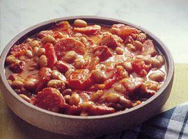 Prepare esse delcioso Feijão Mexicano com os temperos típicos do México. Saiba de quais ingredientes você vai precisar e siga o passo a passo aqui. Confira!