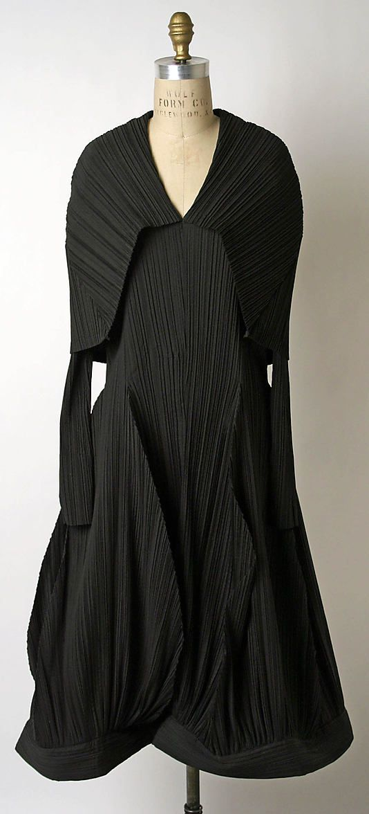 Issey Miyake -- Dress, ca 1985. A designer I found in the middle of 90s, one of my favourites.