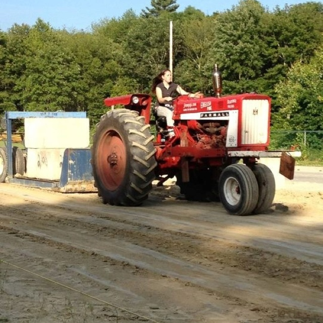 Power Wheels Tractor Pull : Best images about power pulling tractors on pinterest