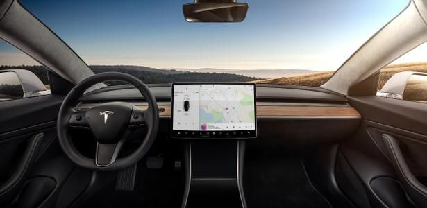 Tesla Model 3 - Minimalist Interior