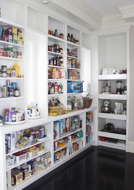 kitchen pantry08 Organized Kitchen Pantry Design Ideas