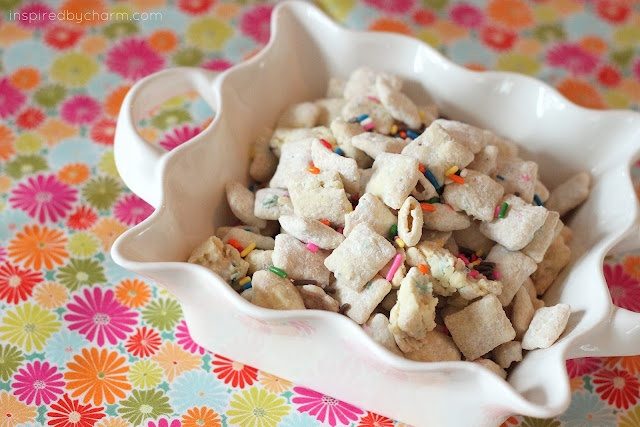 Cake Batter Puppy Chow: Puppy Chow, Cakes Mixed, Batter Puppies, Cakes Batter, Birthday Parties, Batter Muddy, Puppies Chow, Muddy Buddy, Cake Batter