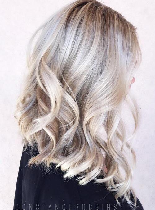 medium blonde hair with platinum highlights